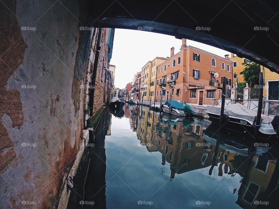 Reflecting city