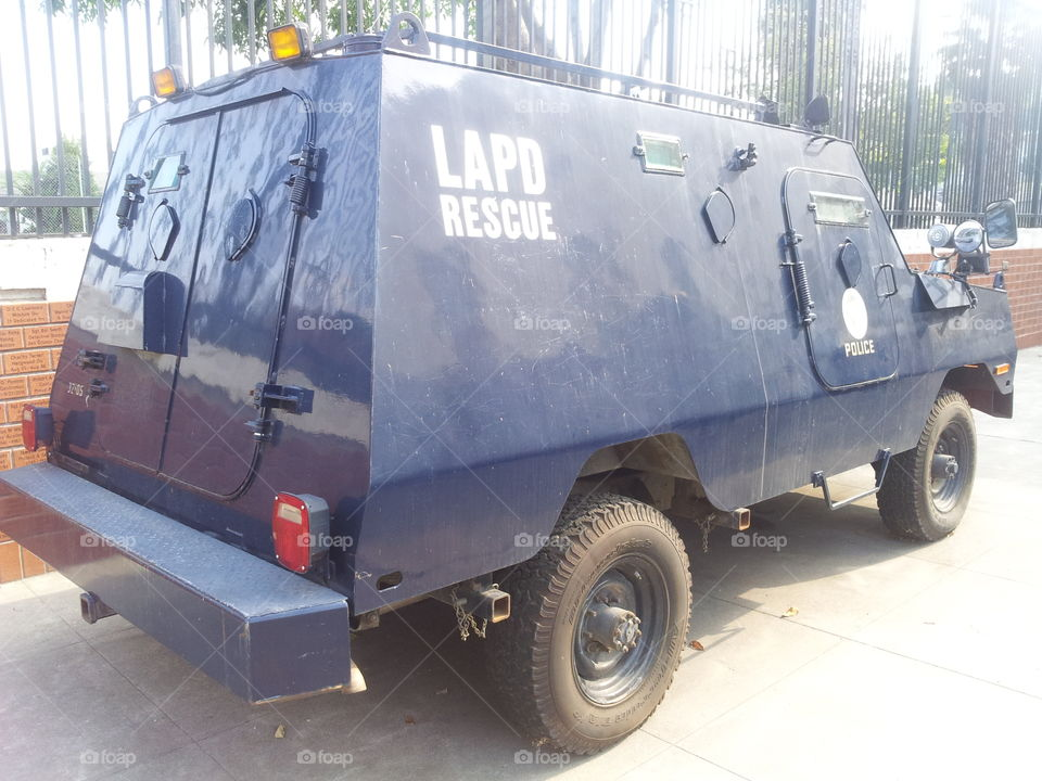 lapd armored truck. lapd armored transportation