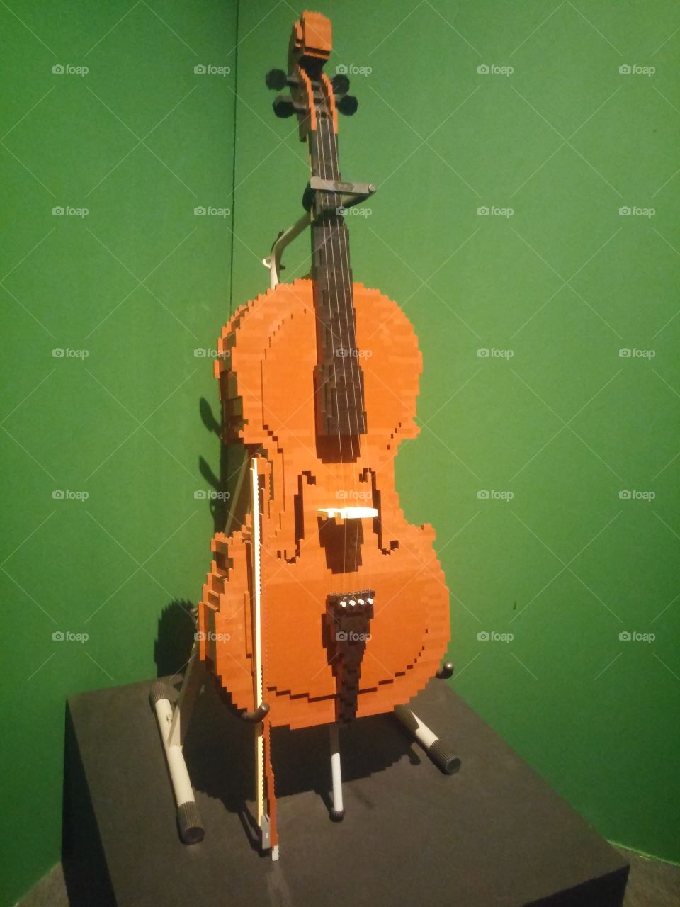 violoncelo feito de