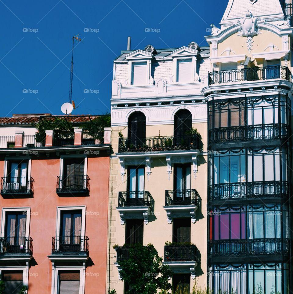 Madrid. #madrid #house #summer #sun #city
