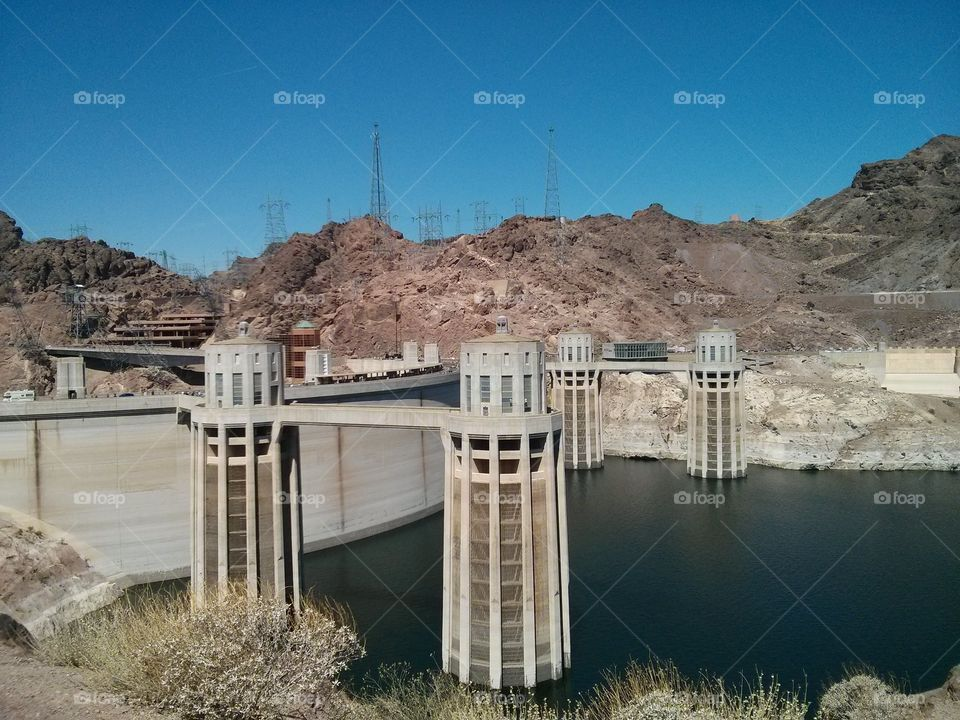 Hoover dam. Hoover dam towers and low water