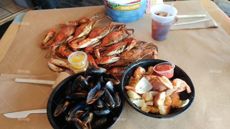 Blue Crab, Shrimp, & Muscles