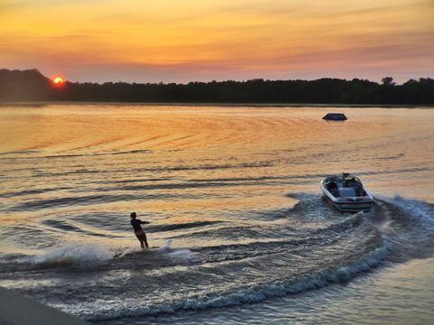 Sundown Ski
