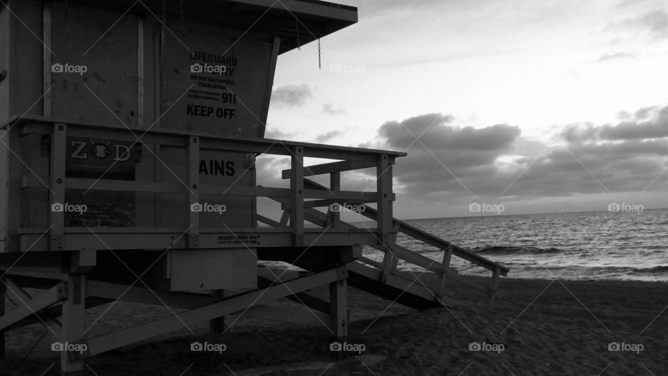 Black and white lifeguard stand