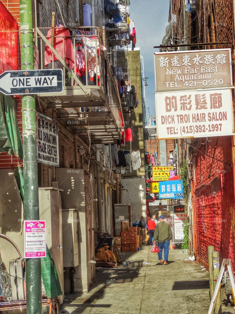 Narrow Alley In Chinatown. Colorful Alley In San Francisco Chinatown
