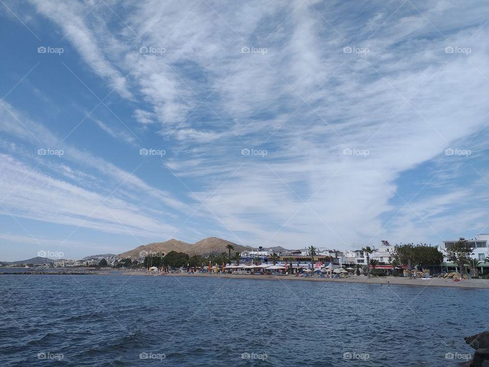 deniz ve bulut manzarasi