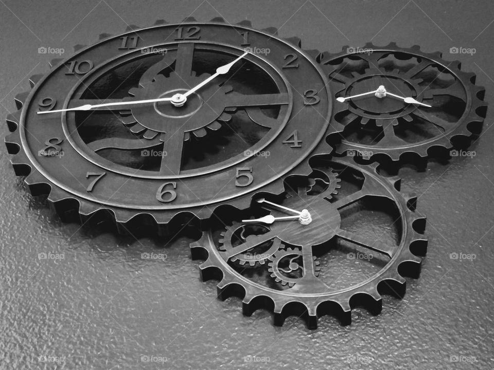 Clock gear set
