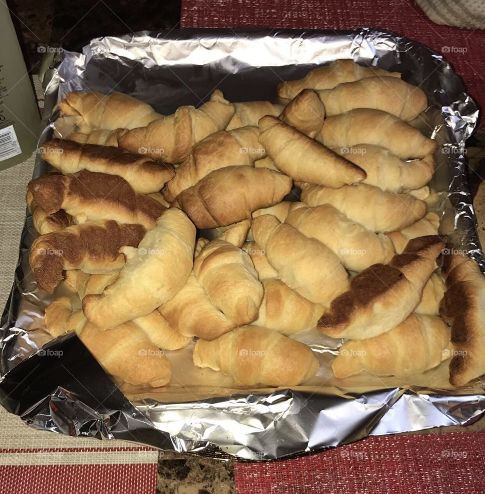 Bread/croissants