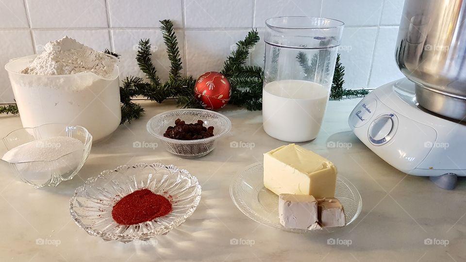 Ingredients for baking saffron buns  - ingredienser till att baka lussekatter