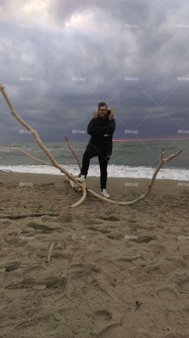 l'uomo sul ramo