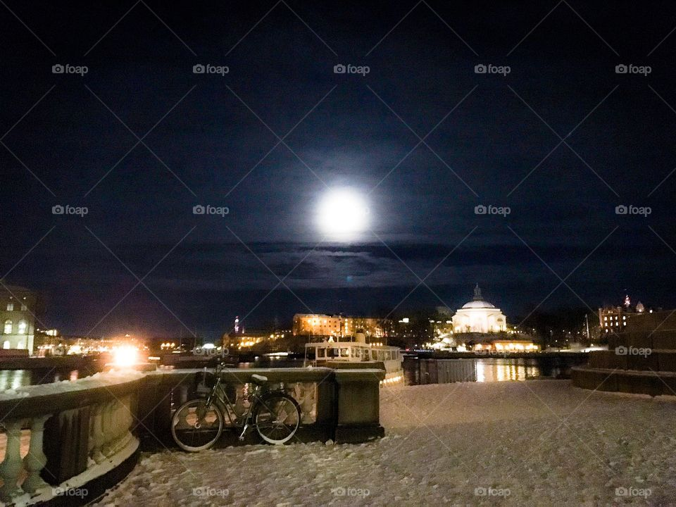 fullmoon over stockholm