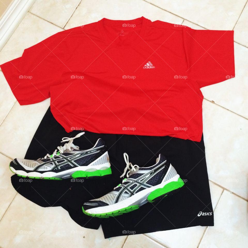 👊🏻Bom dia! Tudo pronto para suar mais uma vez em busca de #saúde.  Vamos correr? 🏃🏻 #Fui #RunningForHealth #run #cooper #corrida #sport #esporte #running