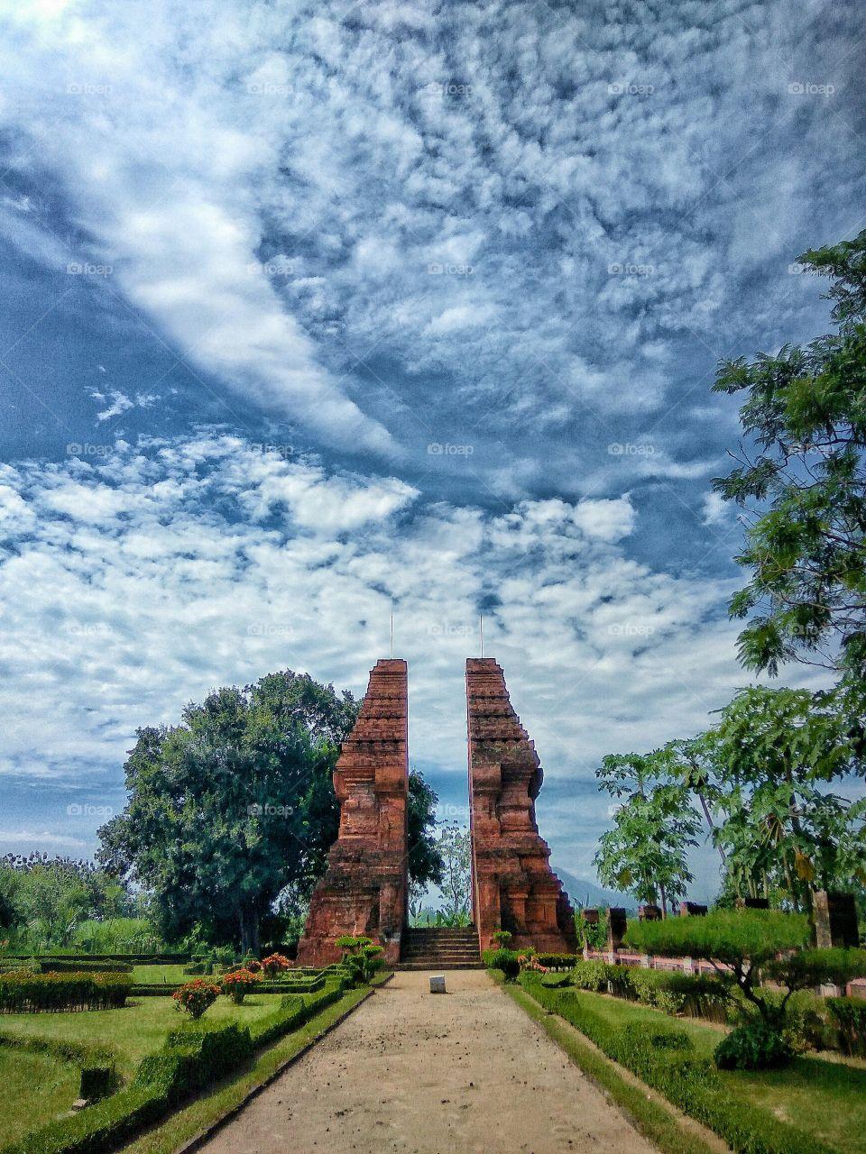 majapahit temple