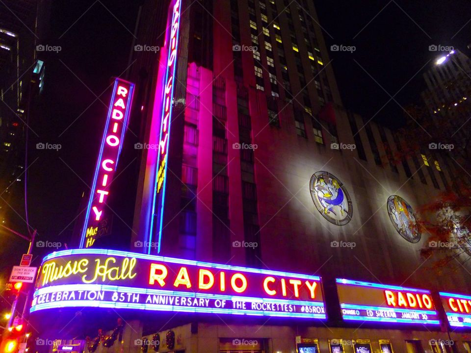 NEW YORK CITY TIMES SQUARE RADIO CITY