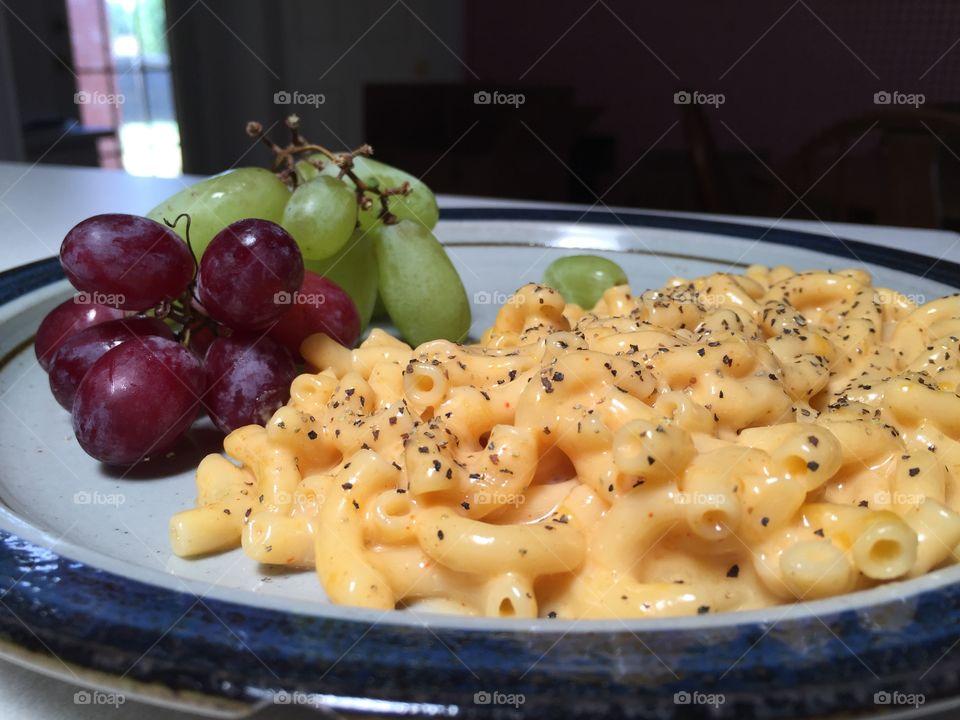 The ultimate comfort food. Alton Brown's stove-top Mac 'n Cheese. Yum!