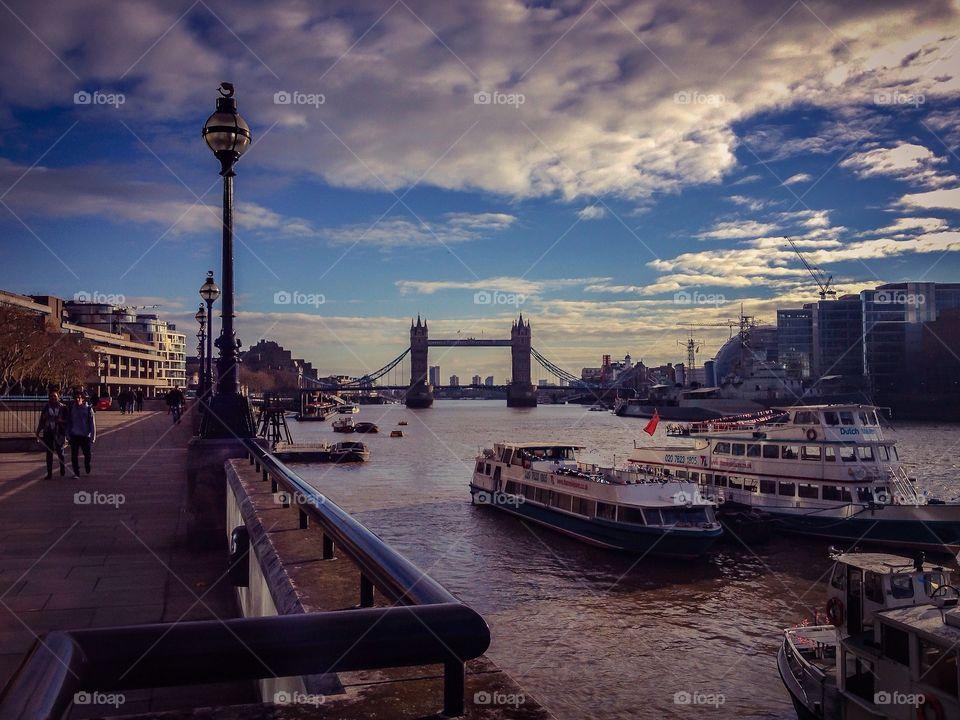 Rio Tamesis, London, England