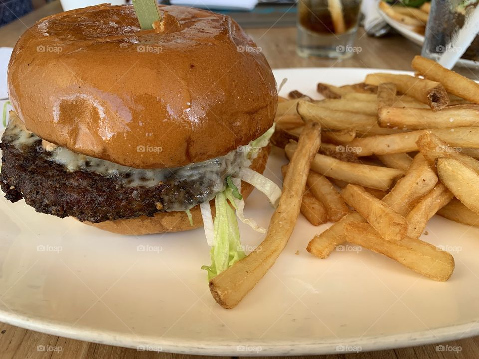 Classic Burger & Fries