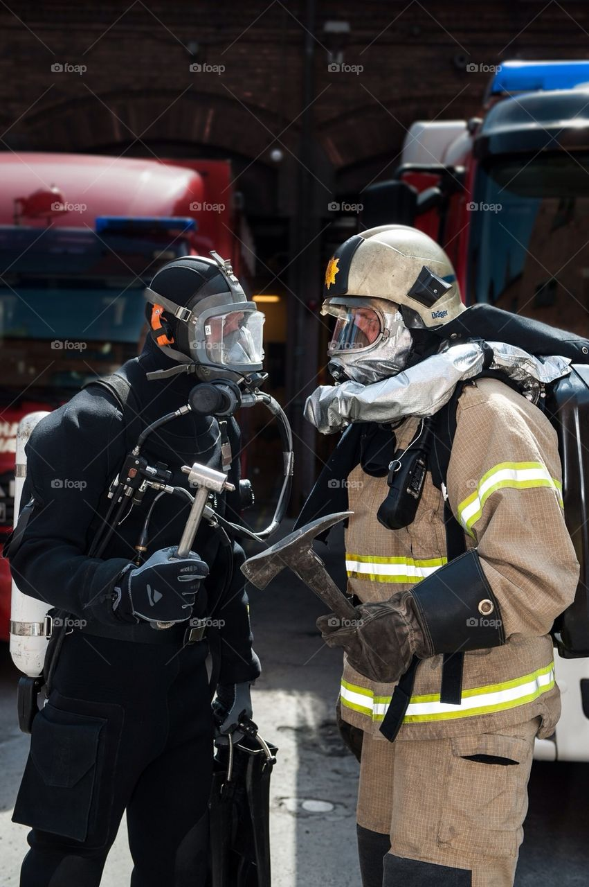 landscape fireman work rescue by wense