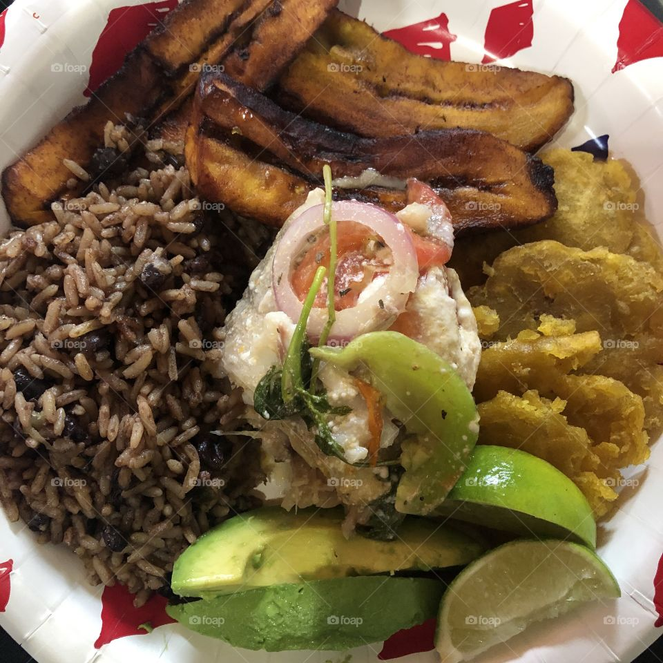 A Dominican plate