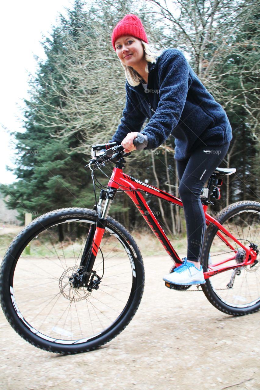 Bike pose. Bike ride