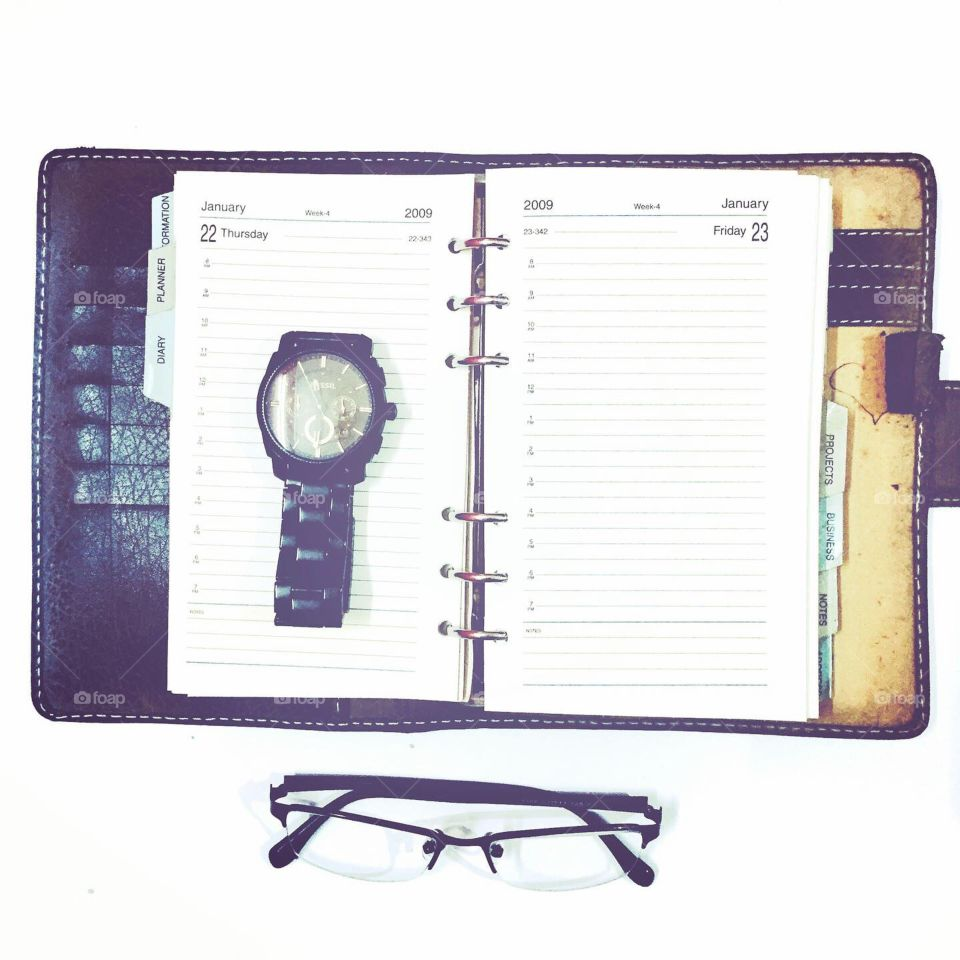 Organiser, Watch and spectacles