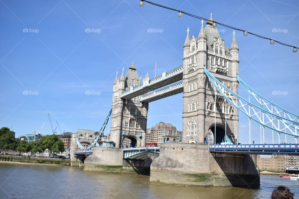 The best summer I ever seen in London, the Tower Bridge is much more beautifull!!!