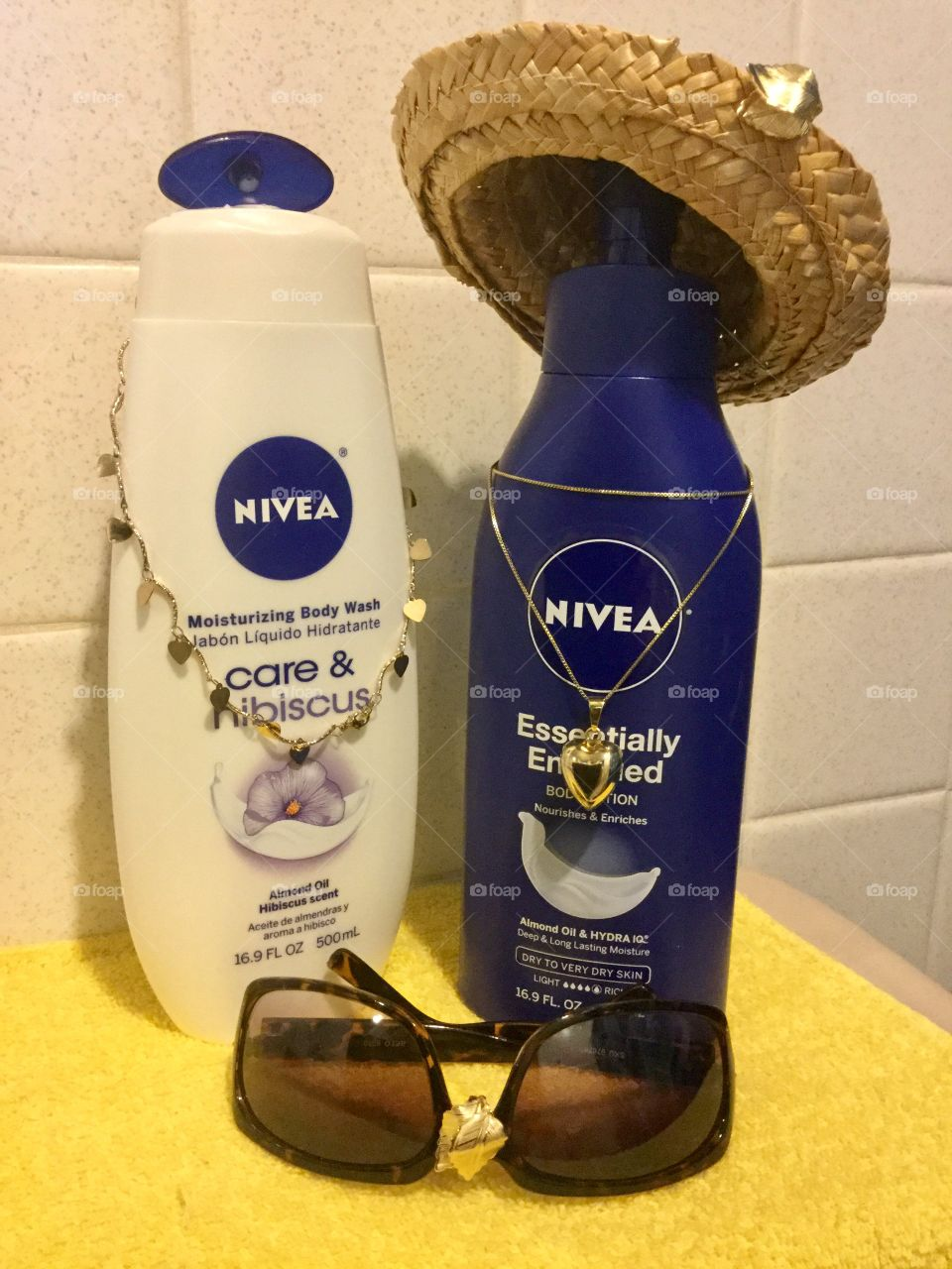 Love  Summer & Love Golden Nivea body Moisturizer