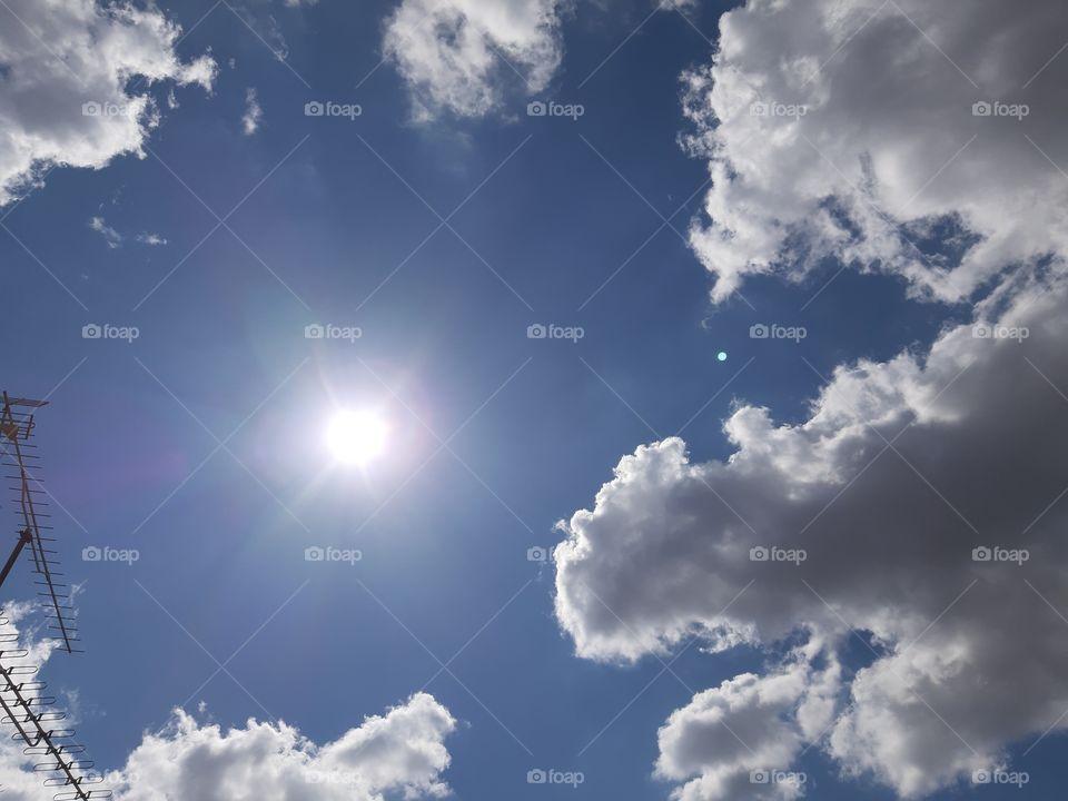 O grande sol. luz mais brilhante.