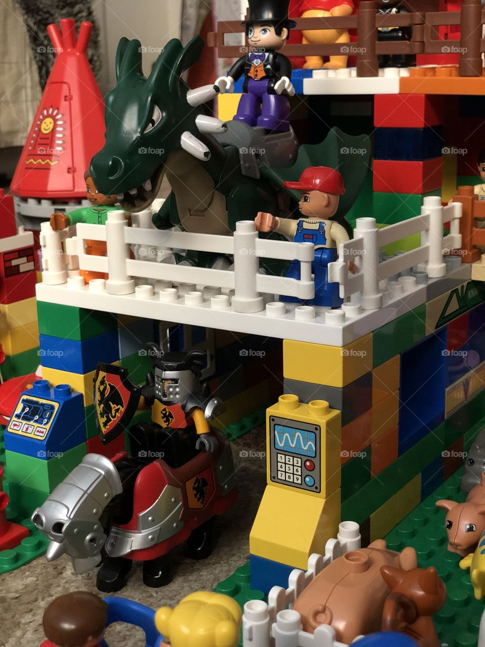 Dragon and knight Duplo