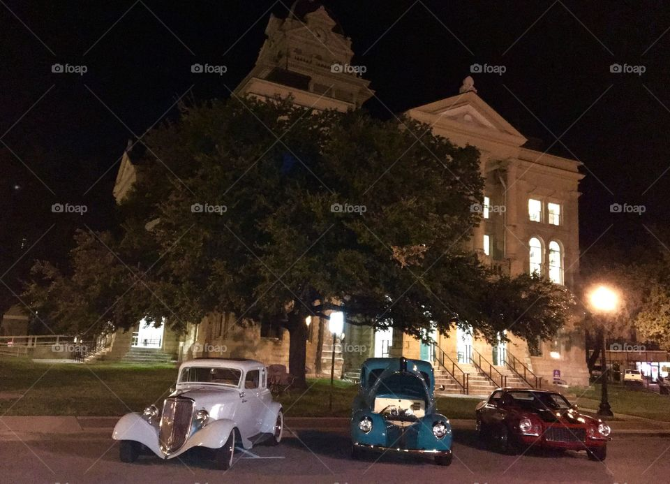 Car show by the court house