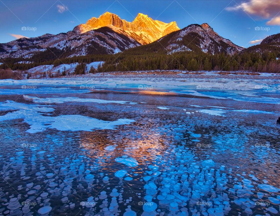 Methane bubbles under frozen abraham lake
