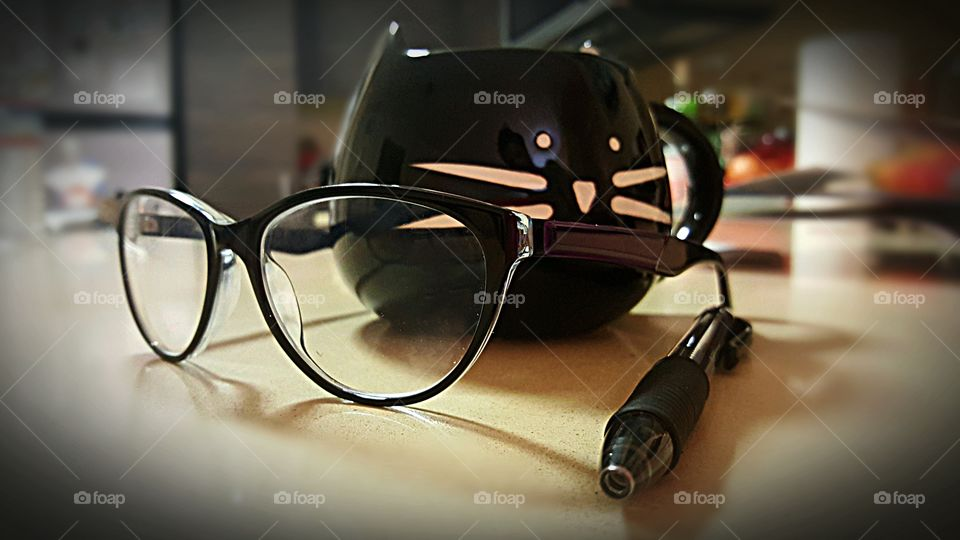 Specs and Kitty Coffee