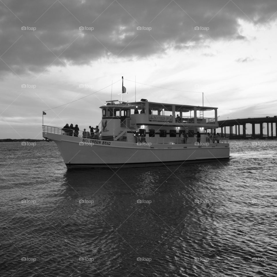 The Southern Star tour boat enters the harbor after a sightseeing trip of the Emerald Coast!
