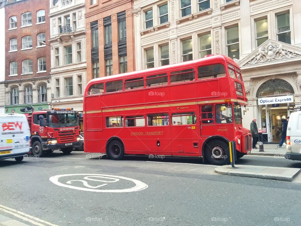 London red old bus