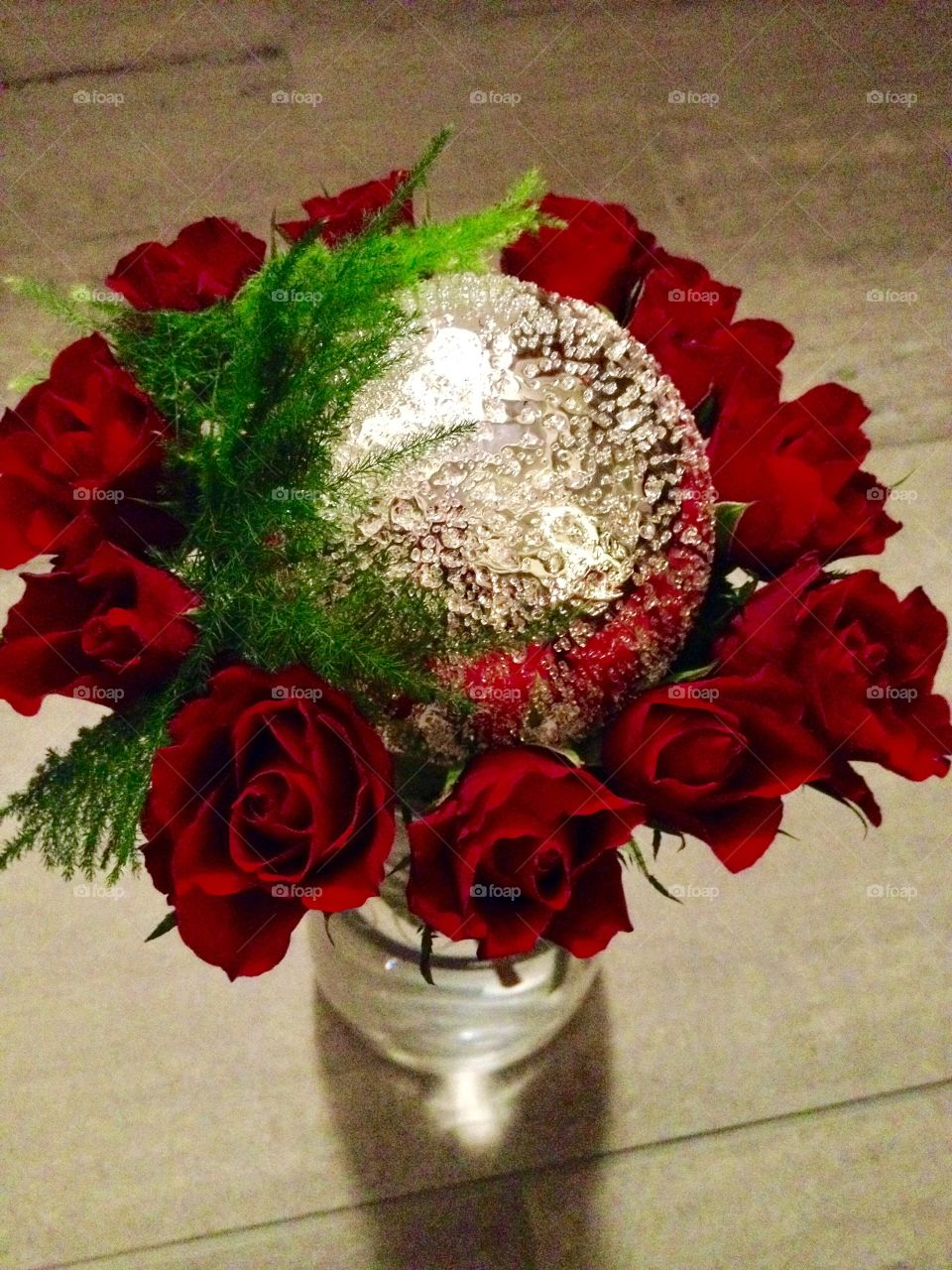 Glitter and red roses