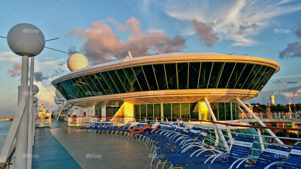 Deck ten..my favorite deck.. this is where I catch all the great photos.. Royal Caribbean enchantment of the seas