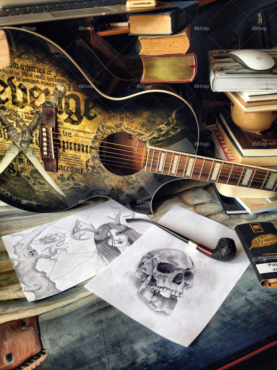 Unexpected way of using guitars! . When working on the desk like decent humans is not enough to attract solid inspiration...