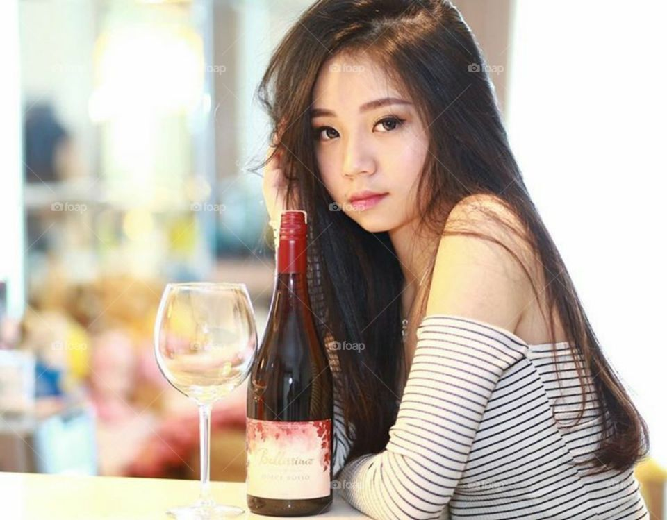 A beautiful sexy women in asia , with hottest lips and luxurious lifestyle 52